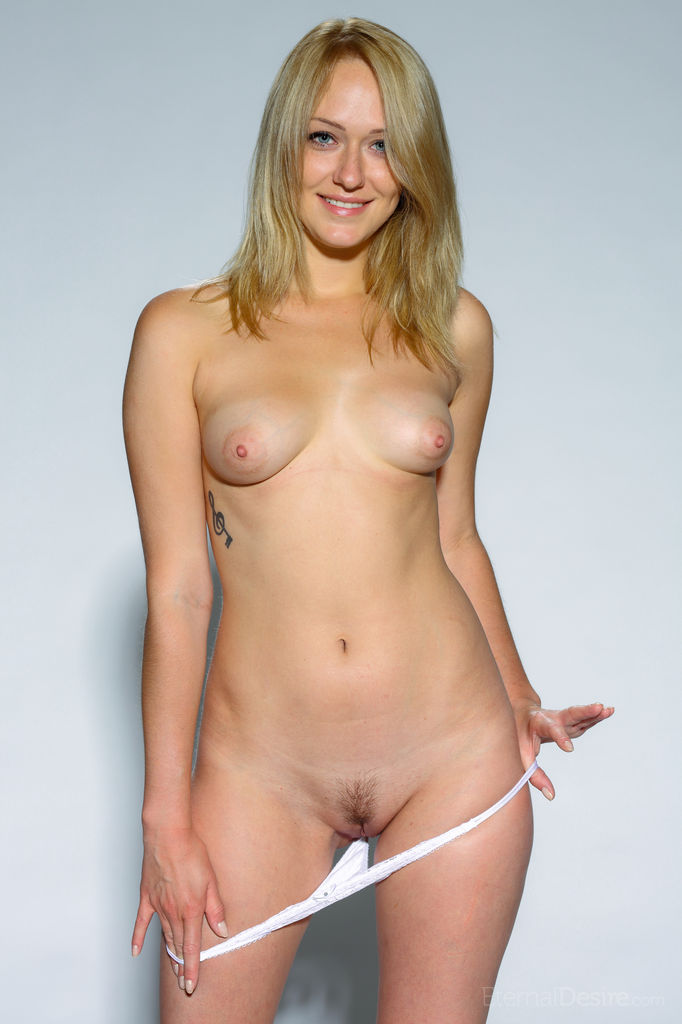 hair nude football player